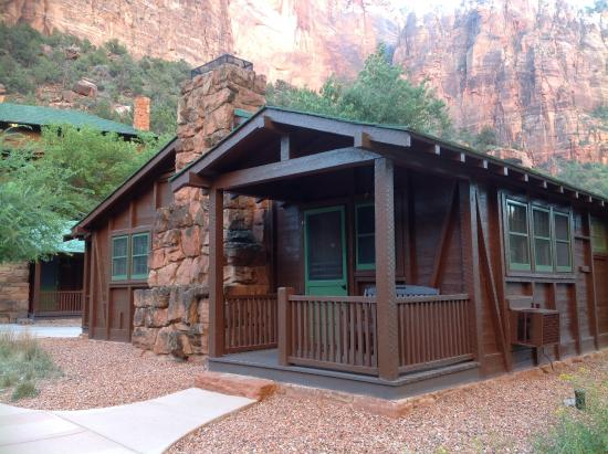 Western cabin 522 picture of zion lodge zion national for Cabin zion national park