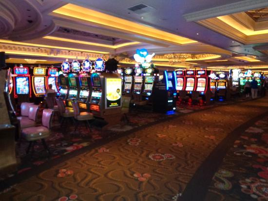 Monte Carlo Resort And Casino >> Slot Machines Picture Of Casino At The Monte Carlo Resort Las