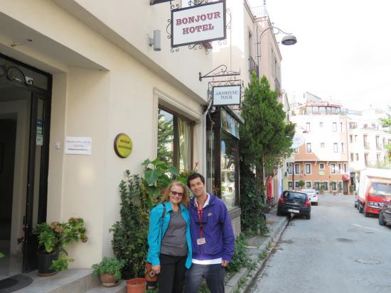 Jasminne Daily Tours: Loved my walking tour! Thanks, Burcin!