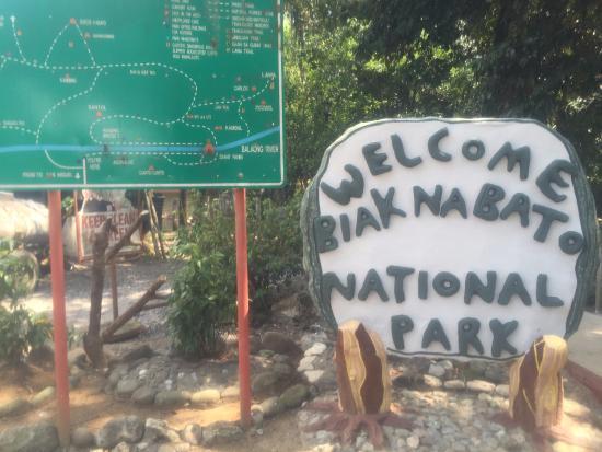San Miguel, Filippinene: Park entrance.