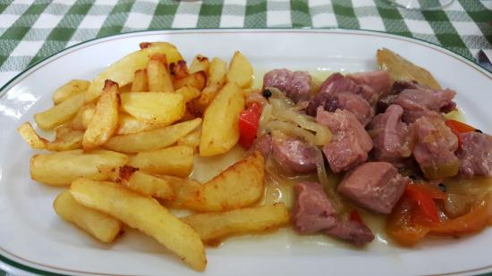 Restaurante La Bodeguita: atún rojo encebollado