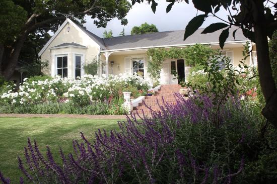 The Garden House: The beautiful gardens of The Garden House