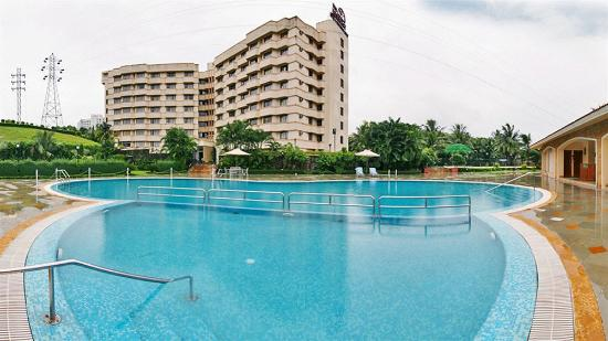 The Residence Hotel & Apartments: Pool