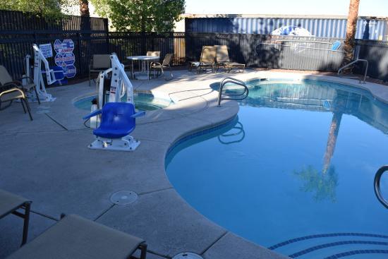 Comfort Inn & Suites Las Vegas: Außenpool