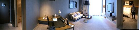 Le Meridien Taipei: Bright spacious room