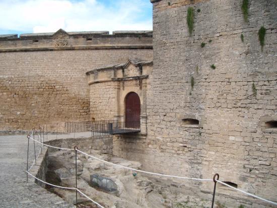 Palacio Las Manillas: entrada castillo