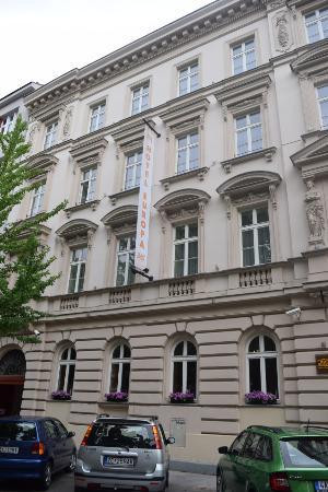 هوتل يوروبا: Hotel