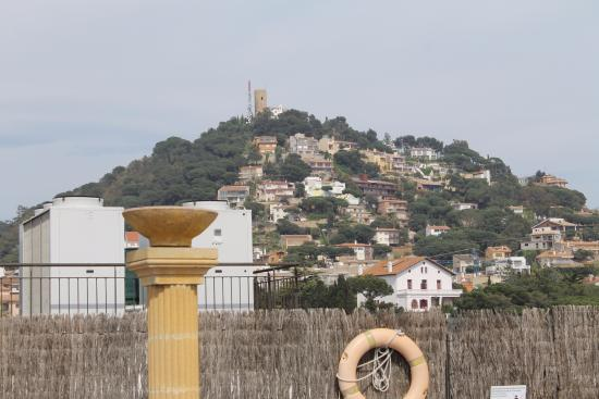Costa Brava Hotel: вид на гору с крыши