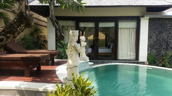 The Sanyas Suite Seminyak: 1 Bedroom Villa, I think we scored the Honeymoon Villa!