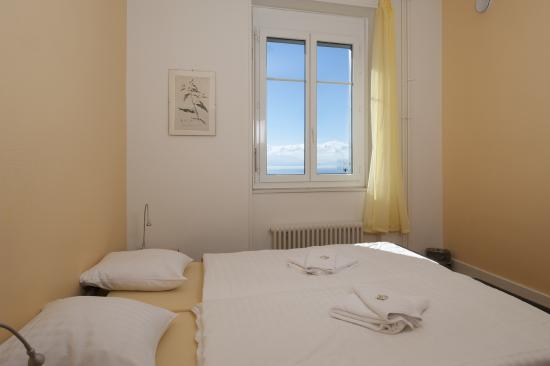 Lausanne Guesthouse & Backpacker: Chambre double grand lit