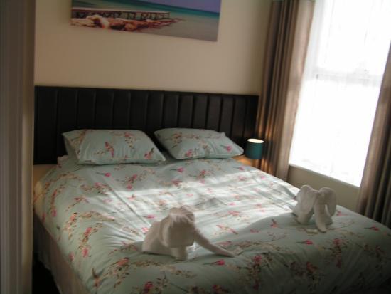 Devon Guest House: Superking bed.