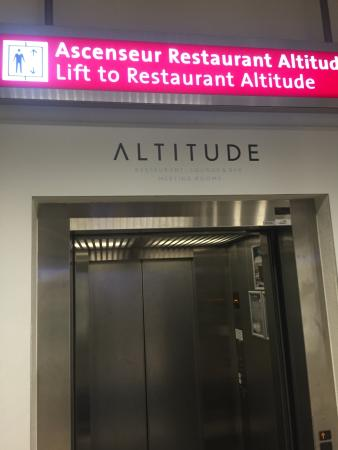 Altitude : The place to go when you have to wait at Geneva airport