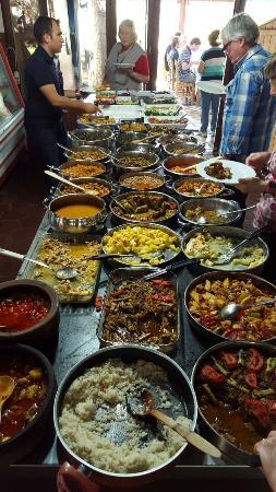 Bizim Ev Hanimeli Restaurant: So much great food! Oct 2015