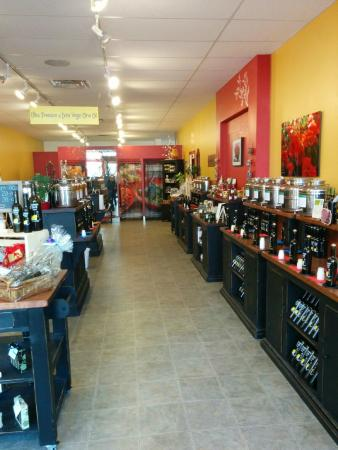 Southampton, Kanada: Over 50 Kegs of Ultra Premium Extra Virgin Olive Oil and Artisan Balsamic Vinegars