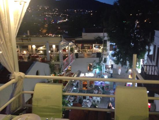Olive Garden: rooftop view