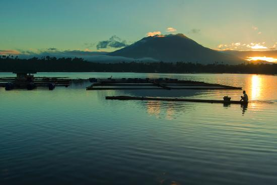 Sampaloc Lake: Sunrise