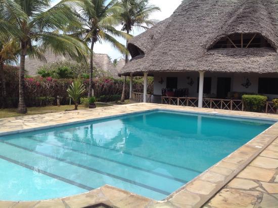 Queen k cottages bewertungen fotos preisvergleich for Swimming pool preisvergleich