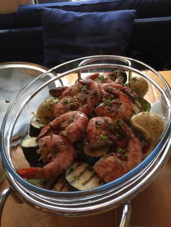Erlach, Ελβετία: les crevettes et légumes top