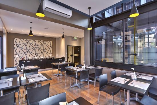 Morning Star Express Hotel: Breakfast area
