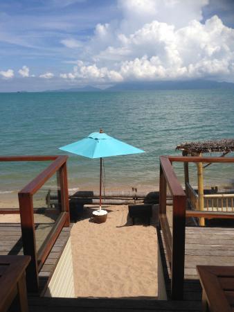 L' Hacienda: Vue de la salle du petit déjeuner. Donne sur la plage privée.