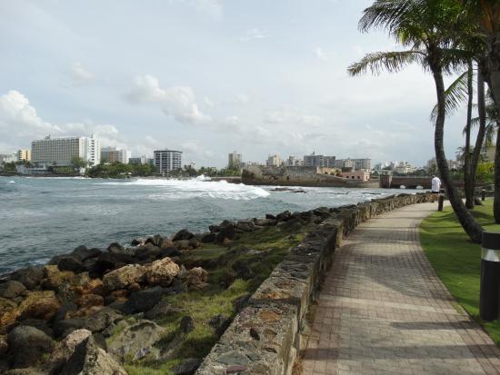 Caribe Hilton San Juan  Vista del mar desde corredor cerca a piscina 46e3dd1b73aae