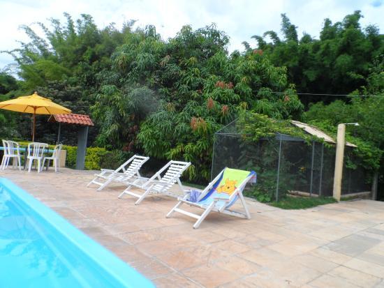 Florestal, MG: piscina