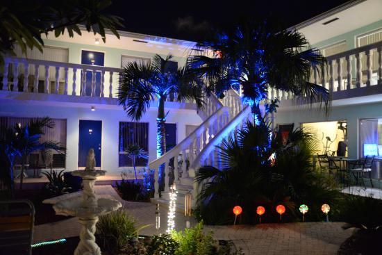 Cheston House Gay Resort: le soir