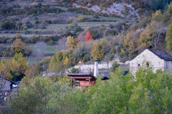 balcon del pirineo un sitio maravilloso vistas desde la terraza y el jacuzzi