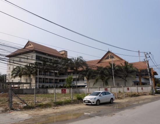 Napalai Resort & Spa: กลุ่มอาคารโรงแรม