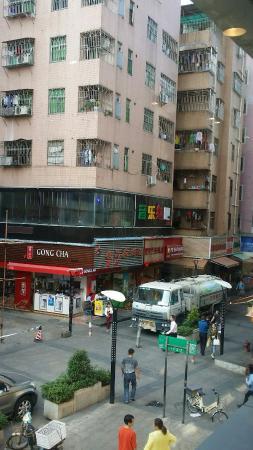 深圳坭岗西村步行街