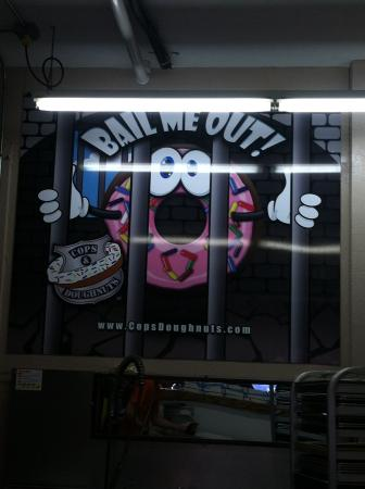Cops & Doughnuts Bakery: store window