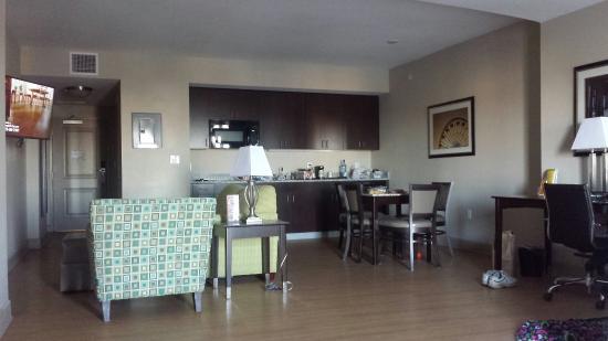 2 queen bedroom picture of la quinta inn suites by - 2 bedroom suites in ocean city md ...