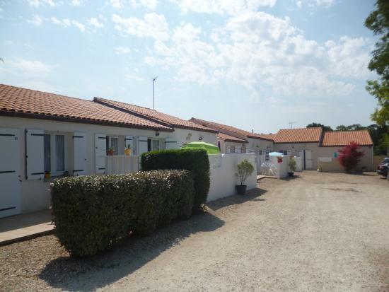 Lagrange classic residence les maisons de saint georges for Royan appart hotel