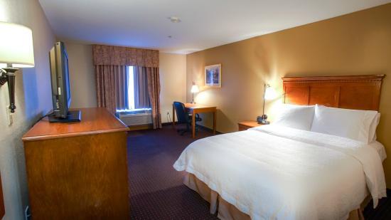 Hampton Inn Marion: Queen Room