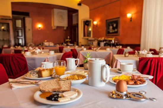 Hotel Colomba d'Oro: Sala colazioni - Breakfast Room