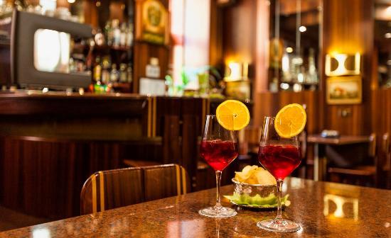 Colomba d'Oro Hotel: Bar