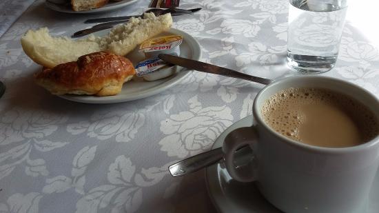 Salles Hotel: Desayuno en el hotel