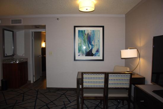 Embassy Suites by Hilton Portland Washington Square: bureau