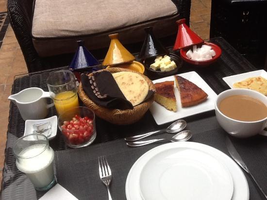 Riad Akka: Breakfast