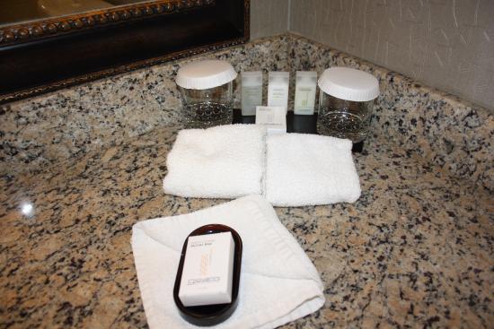 Embassy Suites by Hilton Portland Washington Square: Produits de toilette
