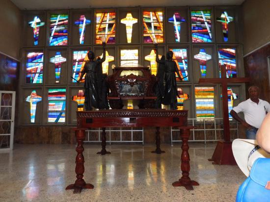 Catedral Metropolitana María Reina: los murales
