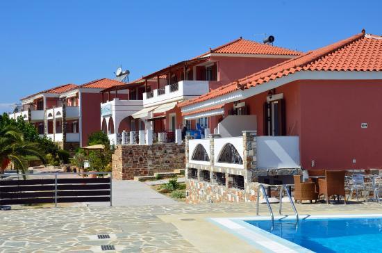 Άγιος Γεώργιος Ξενοδοχείο & Δομάτια
