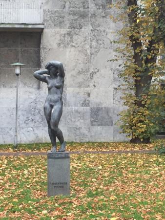 Vagnende kvinde (Aarhuspigen)