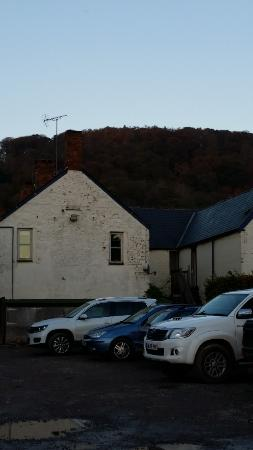 Crowcombe, UK: Back of pub