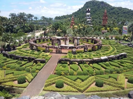 Nong Nooch Tropical Botanical Garden: Stonehenge