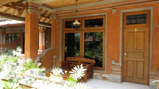 Puri Dalem Cottages: Room terrace