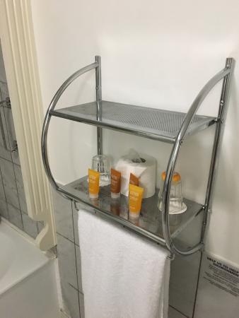 Mercantile Hotel: Rusty towel rail