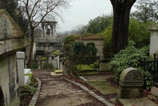 Monsieur lenoir picture of pere lachaise cemetery - Cimetiere pere la chaise ...