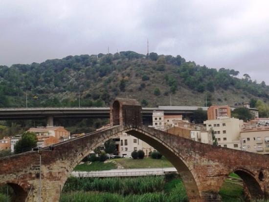 Castellbisbal, Spain: Vista exterior del puente