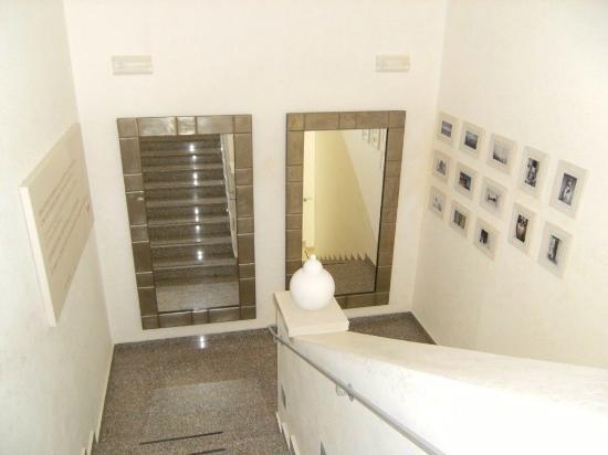 Hotel Giardino degli Aranci: scala interna